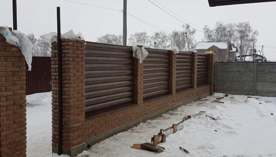 Забор из блок-хауса металлического